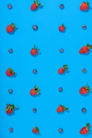 Strawberry-Blueberry-Fruit-Grid_Medium4WebPortfolio